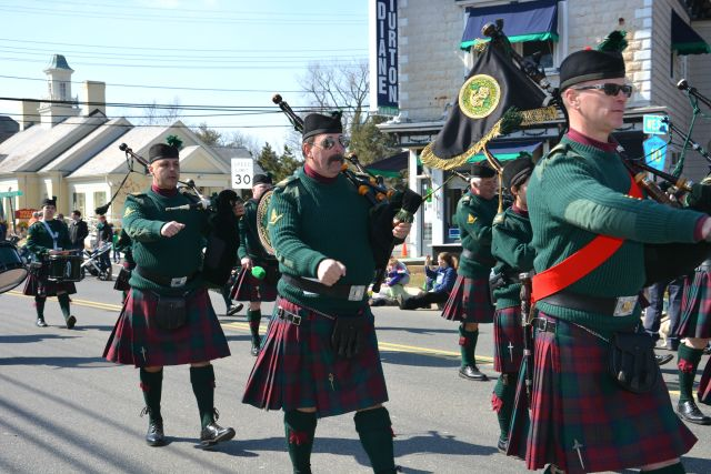 Lots of Bagpipes in Today's Parade!