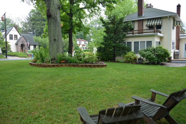 Almost 1/3 of an acre, it has a large yard to plax or relax in.